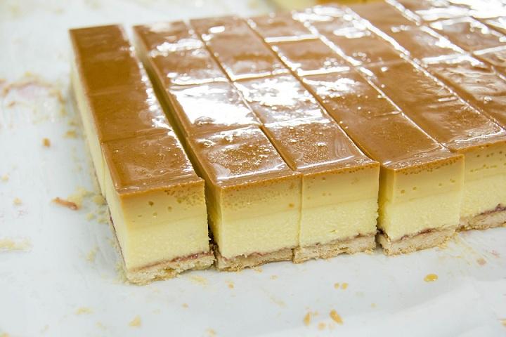 A mini caramel custard chiffon cake homemade