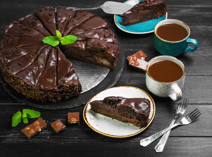 Chocolate-Cream-Cake