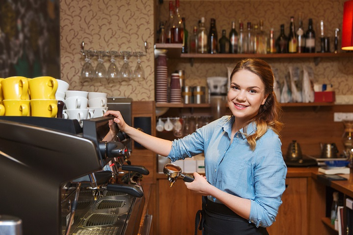 Barista-woman-making-coffee
