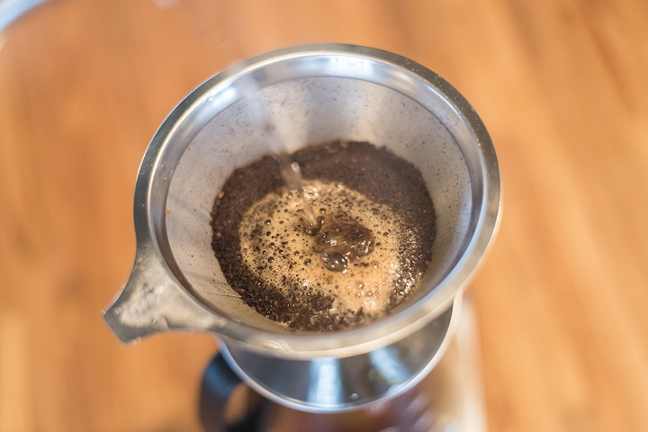 Coffee-Ground-Size-in-Pour-Over-Coffee-Makers