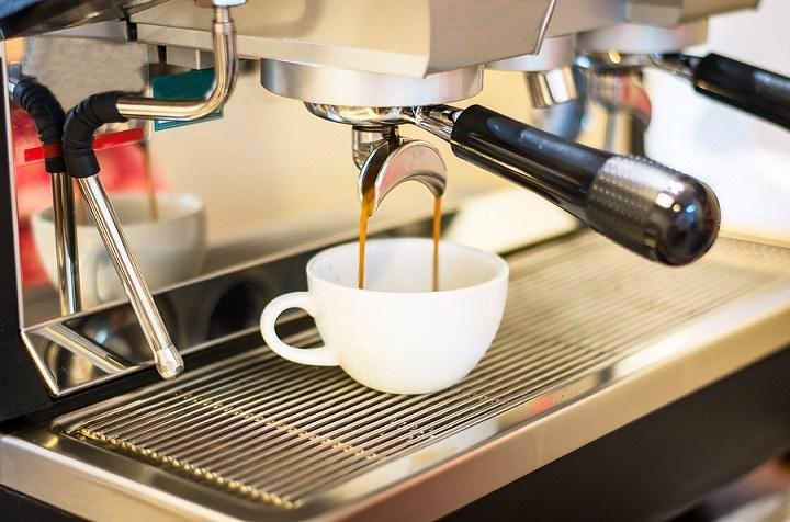Best Espresso Machine | The Ultimate Guide | Fourth Estate Coffee