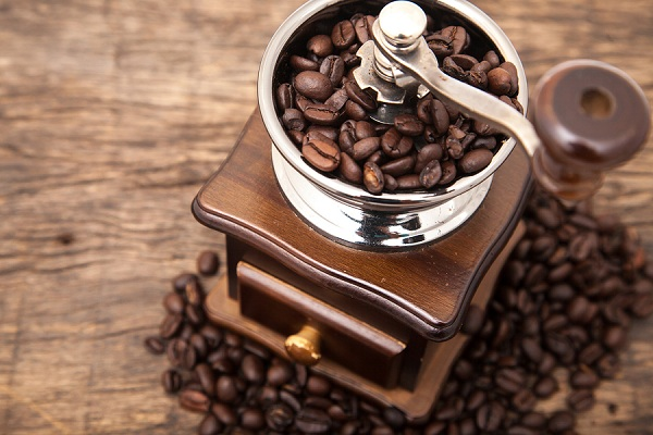 Ginding Coffee